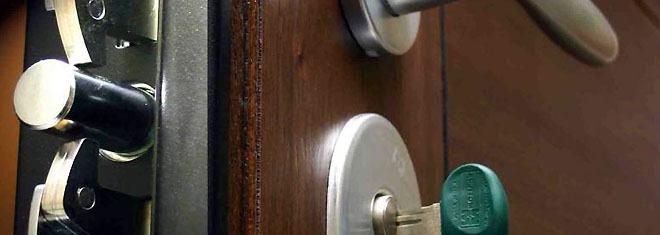 cerrajero door - Cerrajeros Urgentes Hospitalet de Llobregat