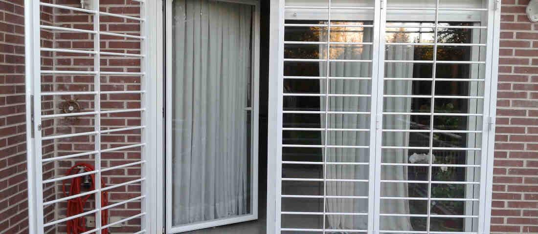 rejas para ventans hospitalet 1100x480 - Rejas para Ventanas y Puertas Hospitalet